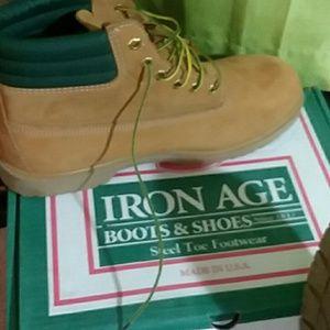 12M men's steel toe boots.